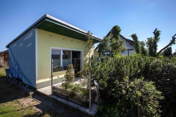 Lütt Ferienhus, eigenes abgeschlossenes Grundstück mitten im Grünen