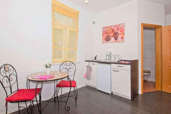 Apartment 2, Erdgeschoss, Küchenzeile