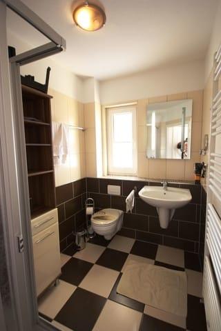 Tageslichtbad mit Dusche/WC