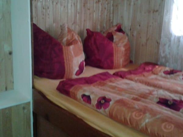 Kleines Schlafzimmer,Bett 1,20mX2,00m,2.schlafzimmer 1,80mX2,00m