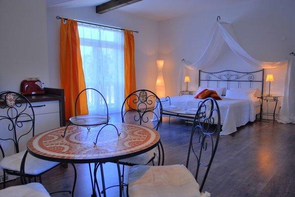 Das größte der 6 Apartments. Für 3 Personen, genug Platz für Aufbettung. Dieses Zimmer ist wirklich wunderschön und geräumig.