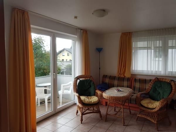 Wohnzimmer der Ferienwohnung Usedom mit Schlafcouch