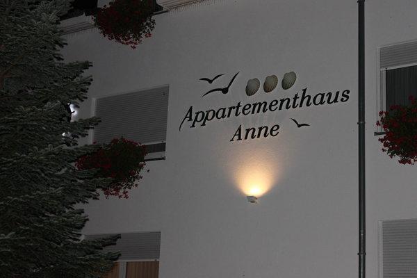Logo , Abendaufnahme