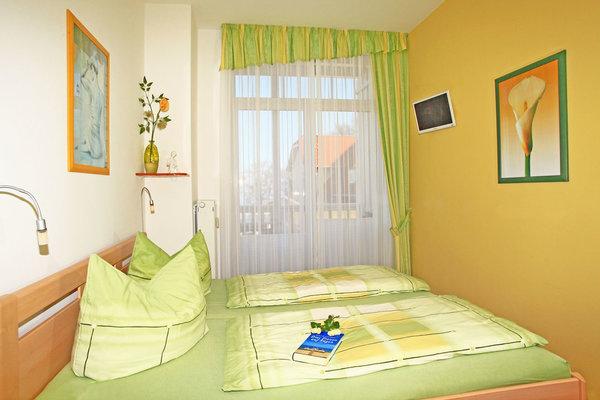 Schlafzimmer - mit Meerblick und Balkon