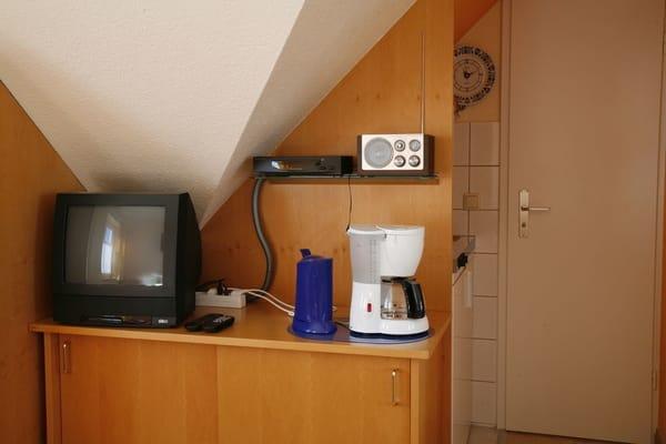 TV und Pentry Küche