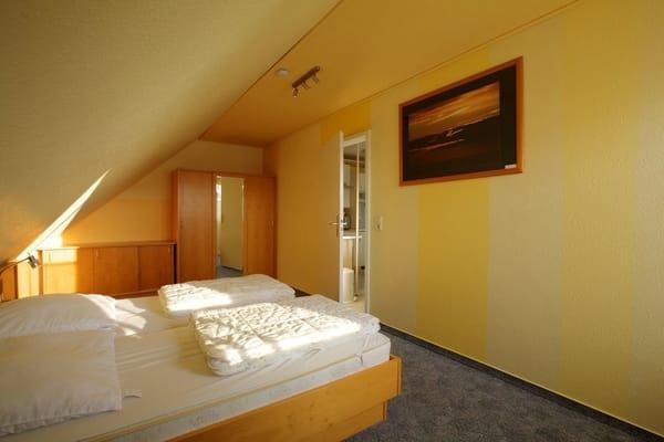 Schlafzimmer -groß-