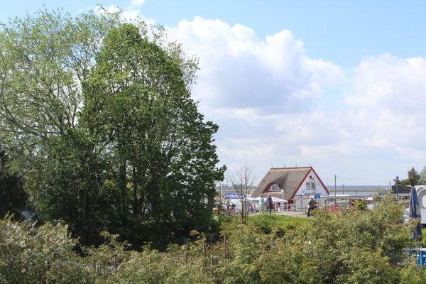 Blick aus dem Wohnzimmer Richtung Hafen