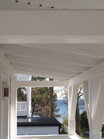 Kleiner Seeblick vom Balkon