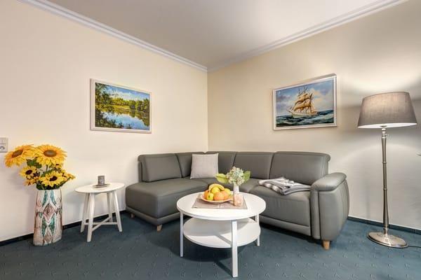 haus am wald 2 zimmer ferienwohnung whg 8 ahlbeck usedom ostsee. Black Bedroom Furniture Sets. Home Design Ideas