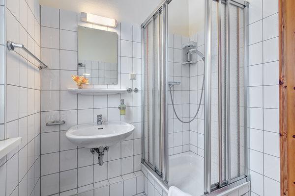 Tageslichtbad mit DU/WC und Fön