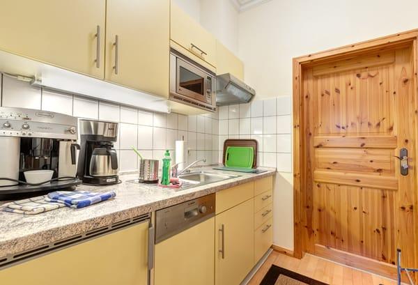 separate Küche inkl. Spülmaschine