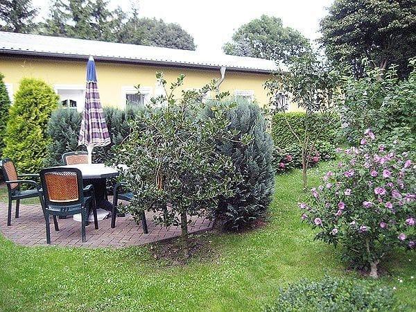 Terrasse in der Gartenanlage