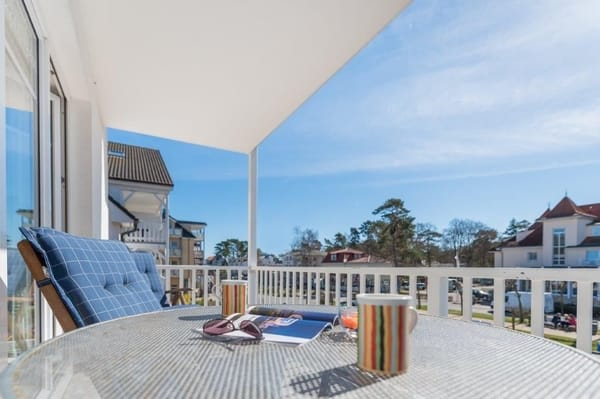 Blick vom Sonnenbalkon auf die Strandstrasse