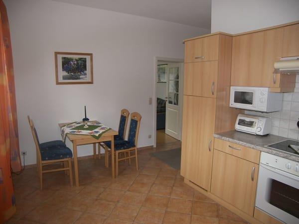 Die Sitzecke in der großen Küche.