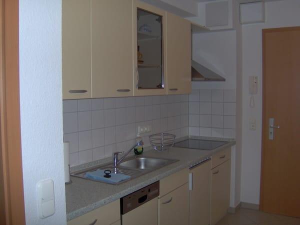 Hochwertige, komplett ausgestattete Küche