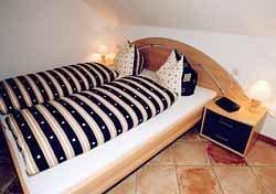 Schlafzimmer mit Doppelbett,180 x 200 und Spiegelschrank