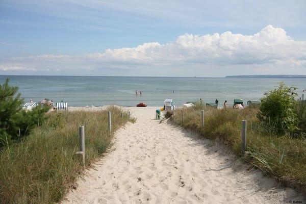 Flacher, feinsandiger Strand