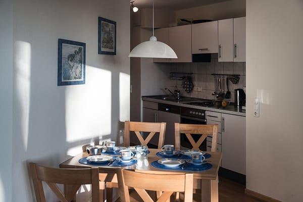 Essecke mit ausziehbarem Tisch