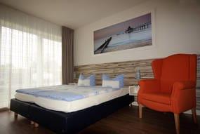 Schlafzimmer mit Doppelbett, kann auch als 2 Einzelbetten gestellt werden