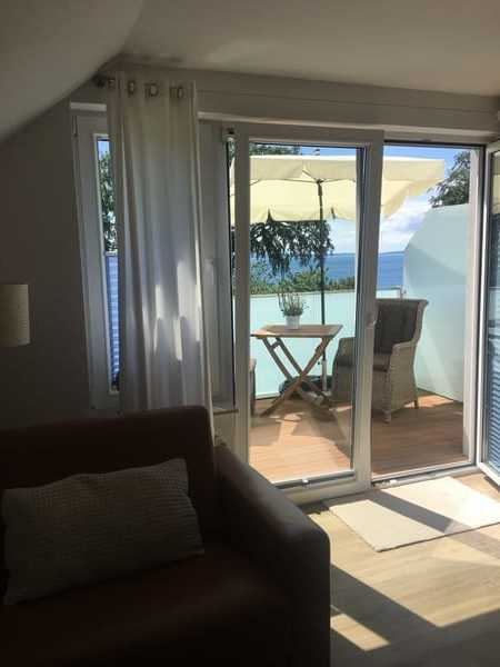 Wohnzimmer mit Blick auf dem Balkon + Ostsee