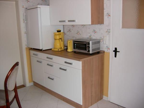 Küche mit Küchenzeile
