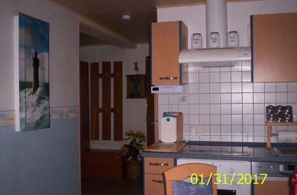 Küche mit Eßplatz,4 Platten Herd, Geschirspüller,Kühlschrank , Gefrierfach,