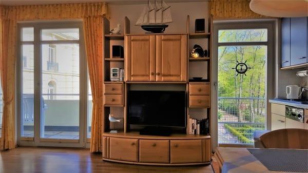 Ansicht Wohnraum mit Küchenzeile
