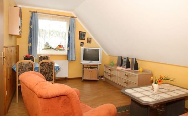 siedlung am wald 2 zimmer ferienwohnung siedlung am wald ahlbeck usedom ostsee. Black Bedroom Furniture Sets. Home Design Ideas