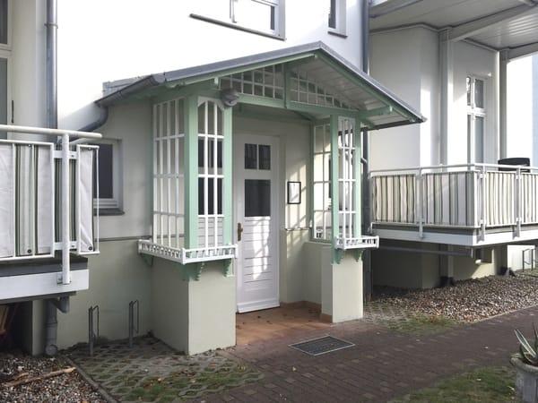 Hinterer Hauseingang