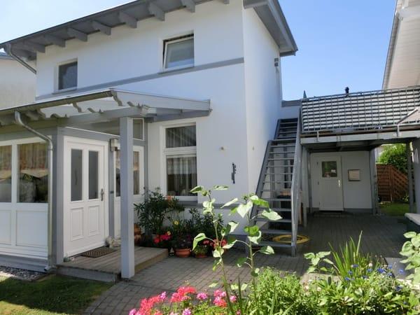 Wohnung oben mit Terrasse, WLAN kostenfrei, Fußbodenheizung, Autostellplatz und Grillmöglichkeit
