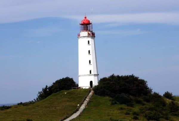 Hiddensee ist auf jeden Fall einen Tagesausflug wert - den Leuchtturm sehen Sie aber auch von Lancken aus