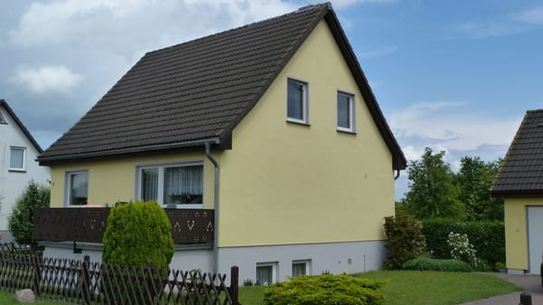 Wohnhaus mit FEWO
