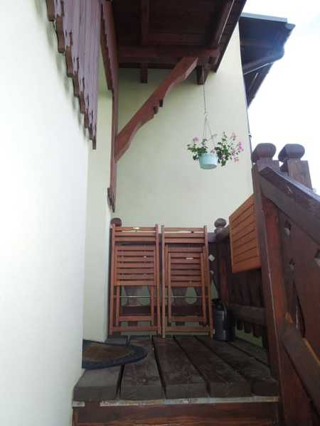 Sitzgelegenheit oberhalb der Treppe
