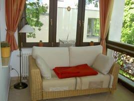 Loggia mit gemütlicher Couch