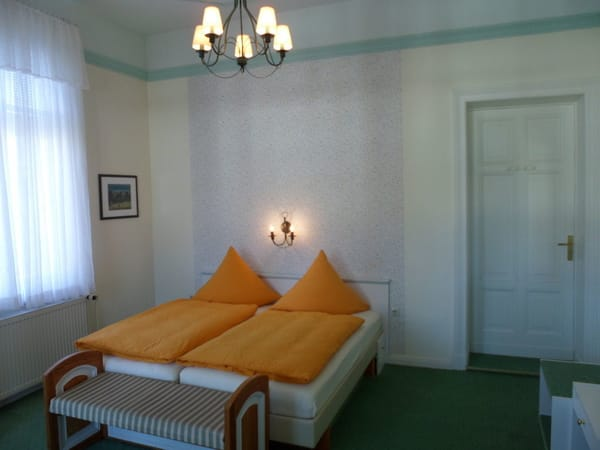 Zimmer 14 Kat.3 mit Balkon