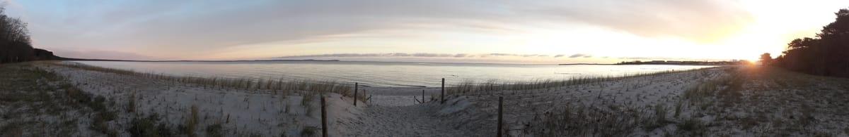 Strand bei Sonnenaufgang