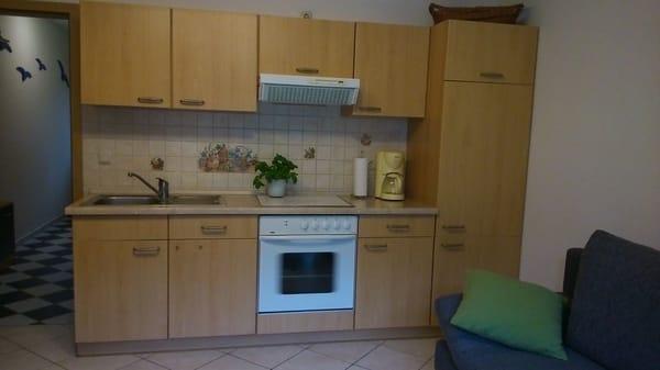 eine Küche, um für das leibliche Wohl zu sorgen, gibt es naürlich auch, sie ist mit allem ausgestattet, nur sind die Dinge gut verstaut