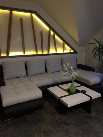 Sitzecke mit Beleuchtung