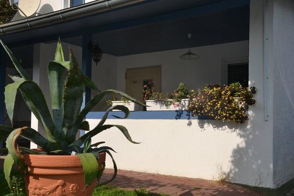 Überdachte Terrasse der Ferienwohnung Rügen
