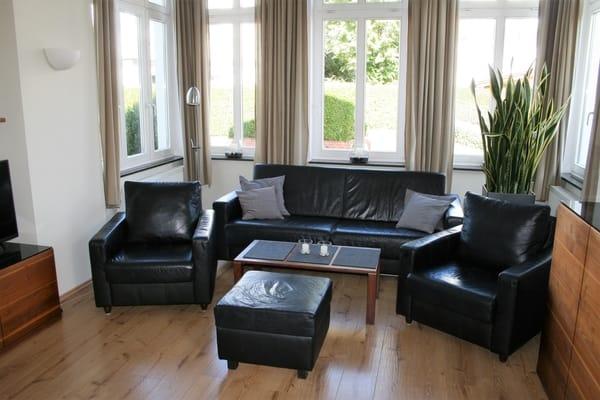 Wohnzimmer mit Ledermöbeln