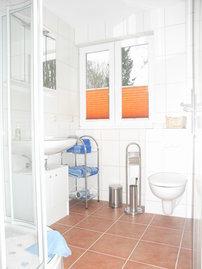 Bad mit Fensterlüftung