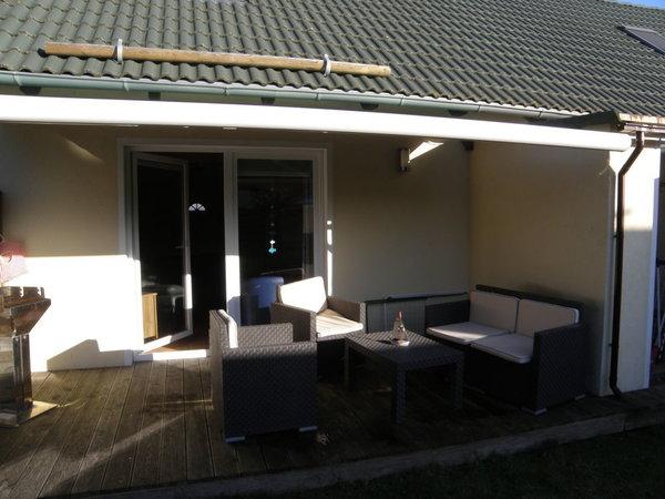 Terrasse mit Grill Wohnungen identisch  /  Wohnungen sind identisch