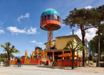 Lift-Cafe + Promenadenhalle