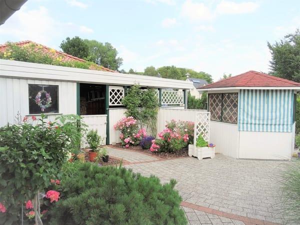 Außenbereich -Terrasse + Pavillion