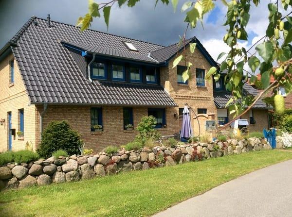 """Aussenansicht Haus"""" Alter Gutshof"""""""