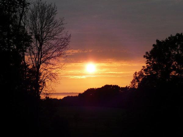 Unser Garten - geliebt für seine schönen Sonnenuntergänge