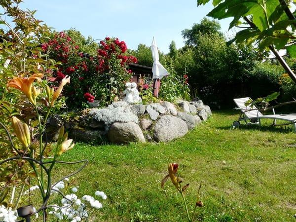 Zum Garten ausgerichteter, separater Liegebereich