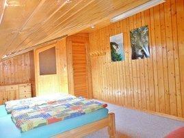 Schlafzimmer über die Wohnzimmertreppe erreichbar