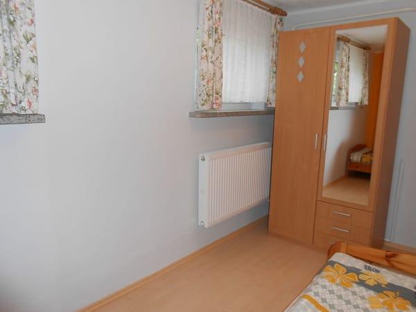 2. Schlafzimmer ( Kinderzimmer )