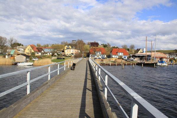 Brücke im Hafen Seedorf